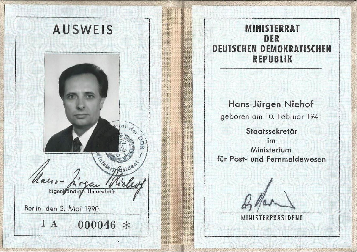 Ausweis Ministerrat. Quelle: Privatarchiv Hans-Jürgen Niehof