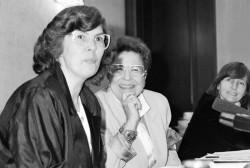 Ministerin Christa Schmidt trifft am 23. April 1990 in Bonn ihre bundesdeutsche Amtskollegin Ursula Lehr zum Gespräch. Quelle: Bundesregierung / Stutterheim