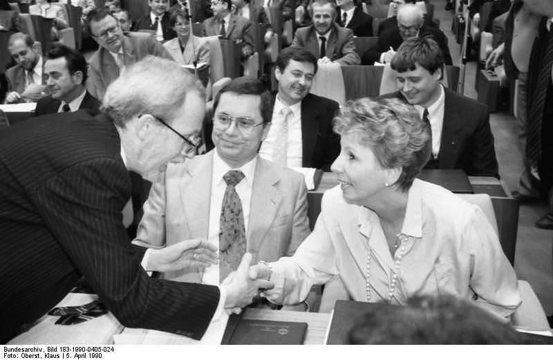 Berlin: Volkskammer. Quelle: Bundesarchiv, Bild 183-1990-0405-024, Fotograf: Klaus Oberst