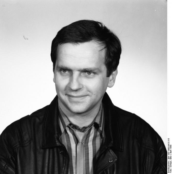 Günther Krause. Quelle: Bundesarchiv, Bild 183-1990-0413-315, Fotograf: Elke Schops