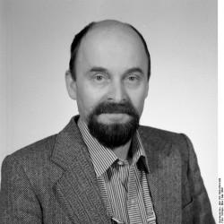 Rainer Eppelmann. Quelle: Bundesarchiv, Bild 183-1990-0504-309, Fotograf: Elke Schöps