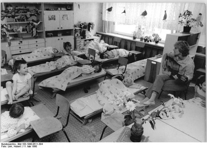 Quelle: Bundesarchiv, Bild 183-1990-0511-304, Fotograf: Hubert Link