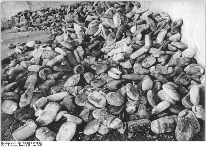 Quelle: Bundesarchiv, Bild 183-1990-0618-307, Fotograf: Benno Bartocha