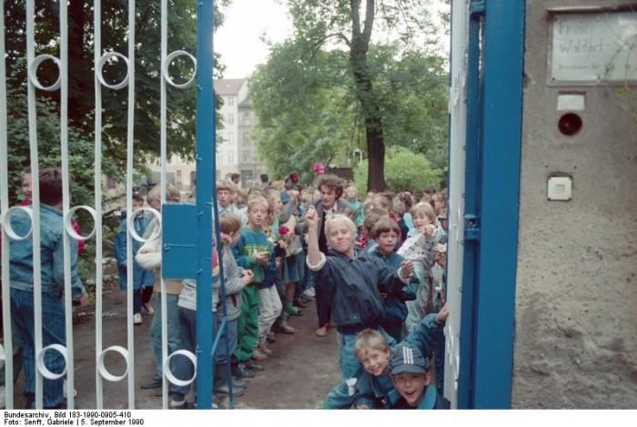 Quelle: Bundesarchiv, Bild 183-1990-0905-410, Fotograf: Gabriele Senft