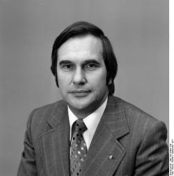 Bruno Benthien (1977). Quelle: Bundesarchiv, Bild 183-S0907-339, Fotograf: Rudolf Hesse