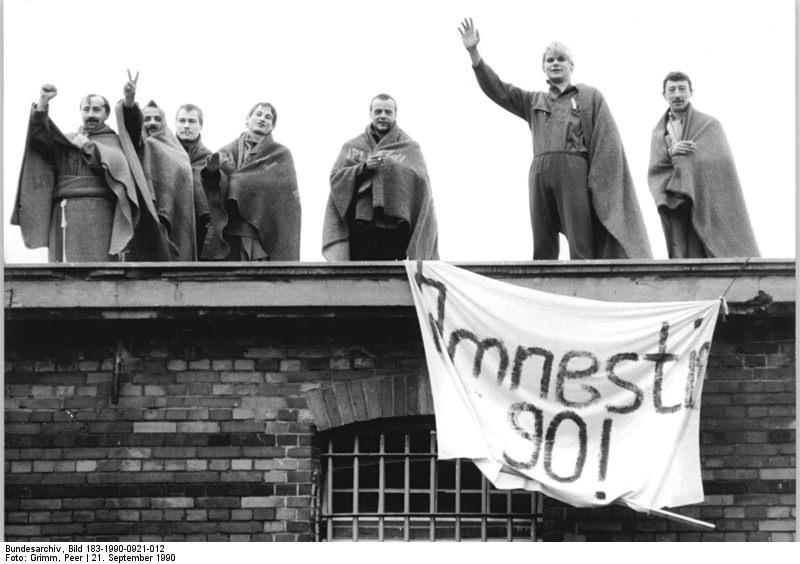 Berlin-Rummelsburg, Häftlingsprotest. Quelle: Bundesarchiv, Bild 183-1990-0921-012, Fotograf: Peer Grimm