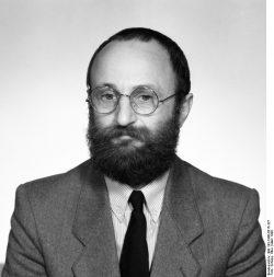 Herbert Schirmer im März 1990. Quelle: Bundesarchiv, Bild 183-1990-0315-327, Fotograf Elke Schöps
