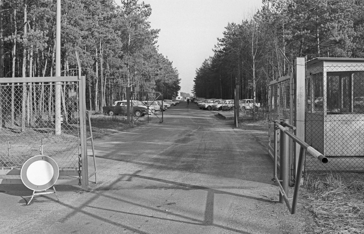 Freienbrink (Bezirk Frankfurt) DDR. Quelle: Archiv Bundesstiftung Aufarbeitung, Fotobestand Klaus Mehner, Bild 90_0207_POL_MfS_Depot_08