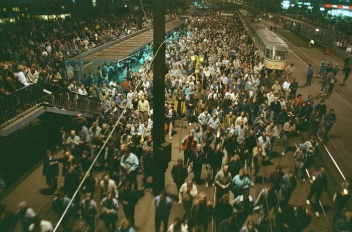 Immer mehr Menschen bei Montagsdemonstrationen