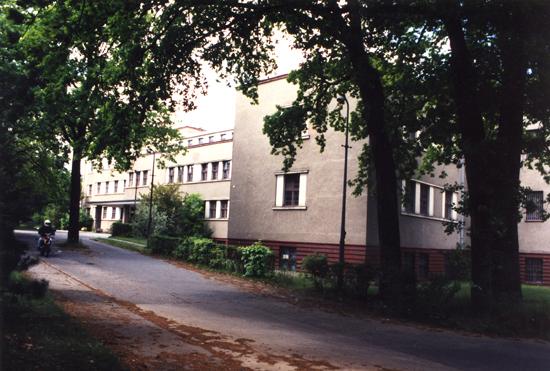 Bis 1990 ist im Gebäudekomplex auf der Köpenicker Allee 39-57 das Landwirtschaftsministerium untergebracht. Quelle: Museum Lichtenberg