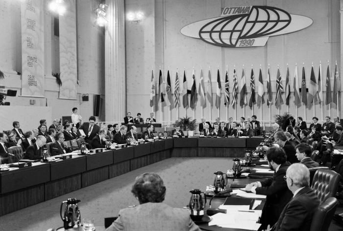 """""""Open Skies""""-Konferenz in Ottawa 1990. Quelle: Bundesregierung / Schambeck"""