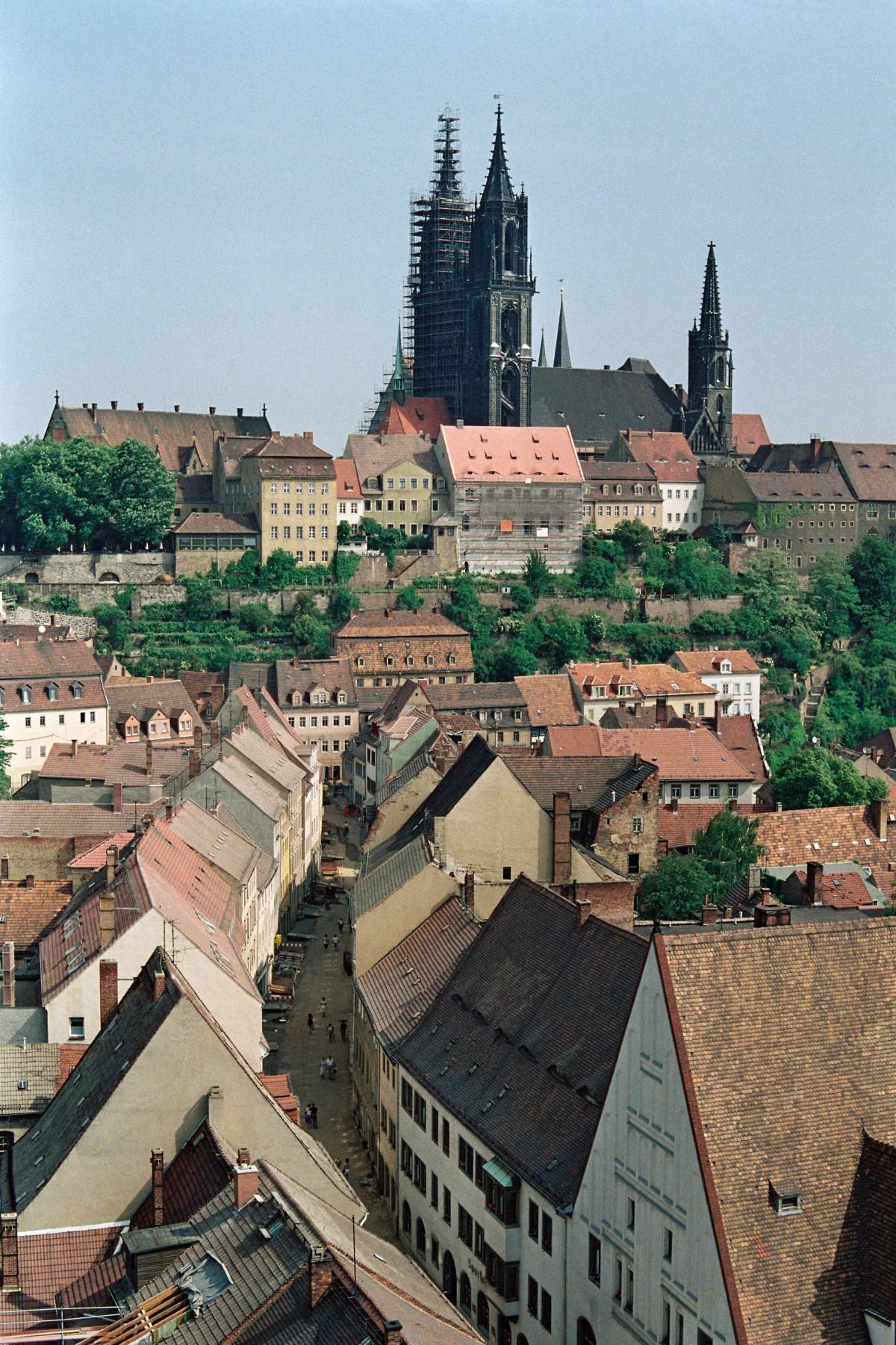 Blick von der Frauenkirche auf die Innenstadt von Meißen, 27. Mai 1992.