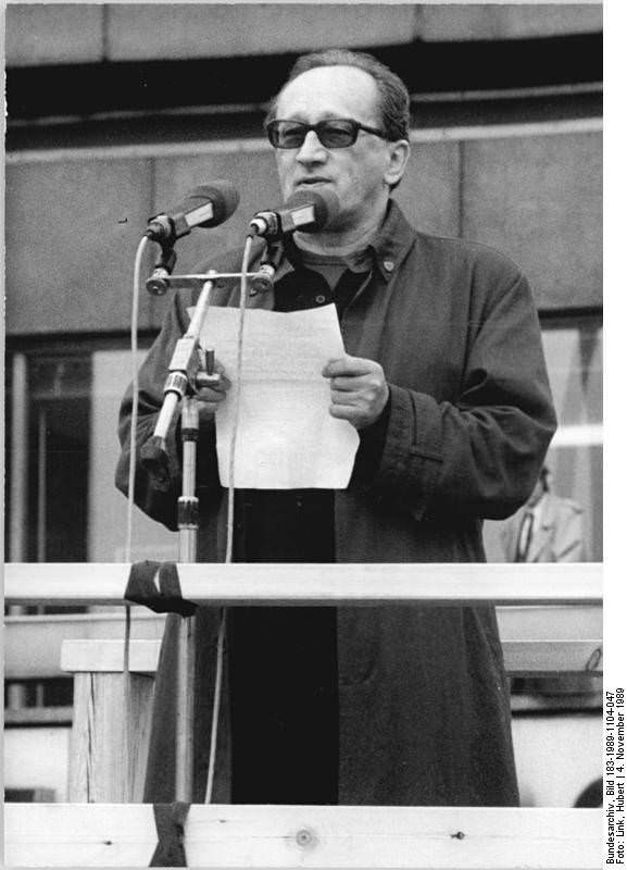 Heiner Müller. Quelle: Bundesarchiv, Bild 183-1989-1104-047, Fotograf: Hubert Link