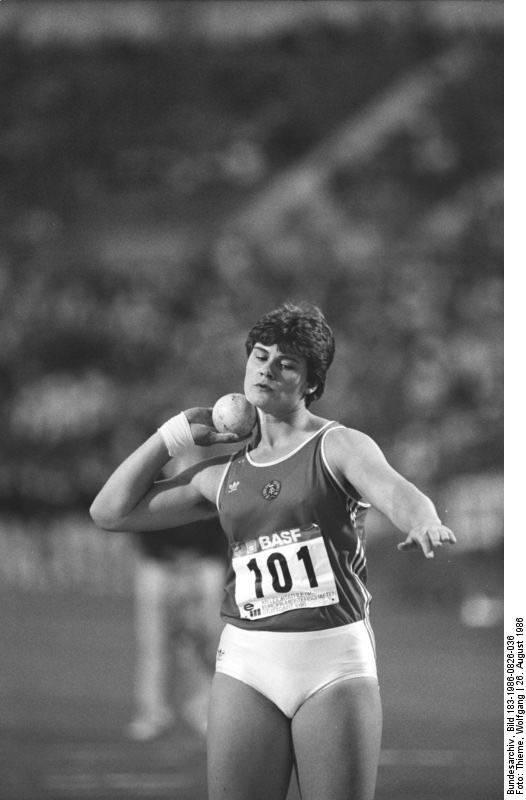 Der DDR-Kugelstoßer Andreas Krieger (geb. als Heidi Krieger) wird bereits im Alter von 16 Jahren unwissentlich mit Anabolika und männlichen Hormonen gedopt. Im Jahr 1997 unterzieht sich Krieger einer geschlechtsangleichenden Operation, da er sich zunehmend einer falschen Geschlechtsidentität zugehörig fühlt. Dies führt er teilweise auf das Doping mit Testosteron zurück. Nach der Operation nimmt er den Namen Andreas an. Heute engagiert sich Krieger im Verein Doping-Opfer-Hilfe.