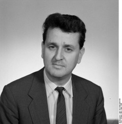 Werner Skowron. Quelle: Bundesarchiv, Bild 183-1990-0308-309, Fotograf: Elke Schöps
