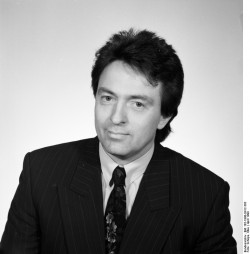 Peter-Michael Diestel. Quelle: Bundesarchiv, Bild 183-1990-0412-303, Fotograf: Elke Schöps