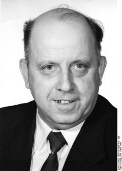 Gottfried Haschke. Quelle: Bundesarchiv, Bild 183-1990-0421-355, Fotograf: Elke Schöps