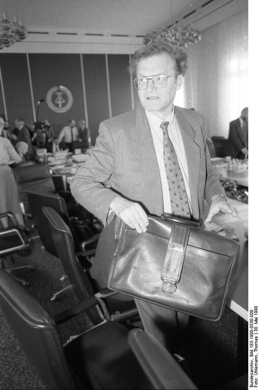 Berlin, Kabinettsrunde, Gerhard Pohl. Quelle: Bundesarchiv, Bild 183-1990-0530-009, Fotograf: Thomas Uhlemann