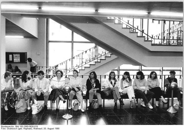 Quelle: Bundesarchiv, Bild 183-1990-0830-019, Fotograf: Waltraud Grubitzsch