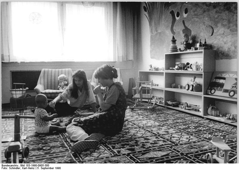 Quelle: Bundesarchiv, Bild 183-1990-0905-300, Fotograf: Karl-Heinz Schindler