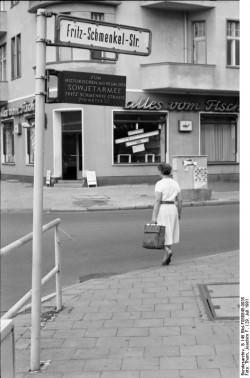 22.7.1991 Berlin-Karlshorst, Straßenschild