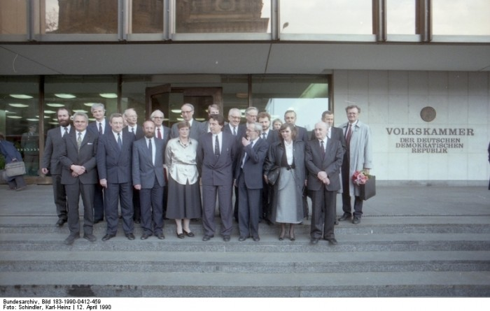 Berlin, Kabinett de Maiziere. Bundesarchiv, Bild 183-1990-0412-459, Fotograf: Karl-Heinz Schindler