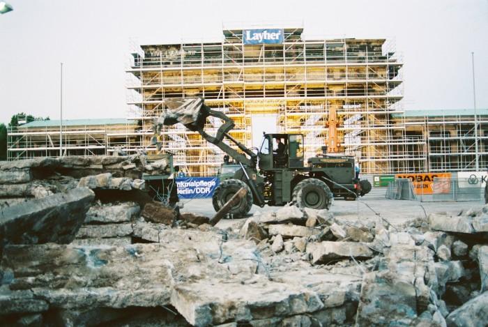 Abriss der Mauer 1990