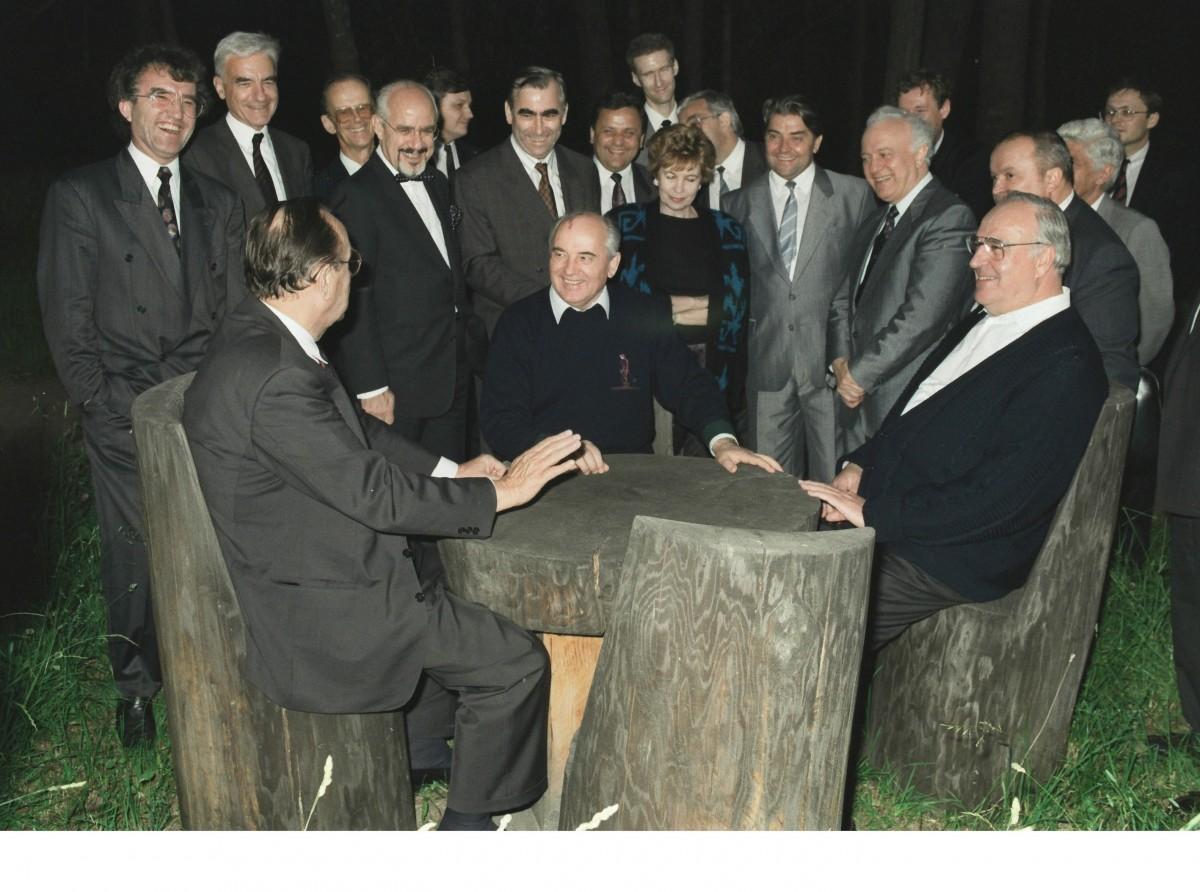 Bundeskanzler Kohl in der UdSSR (Kaukasus) 1990. Quelle: Bundesregierung/Pfeil