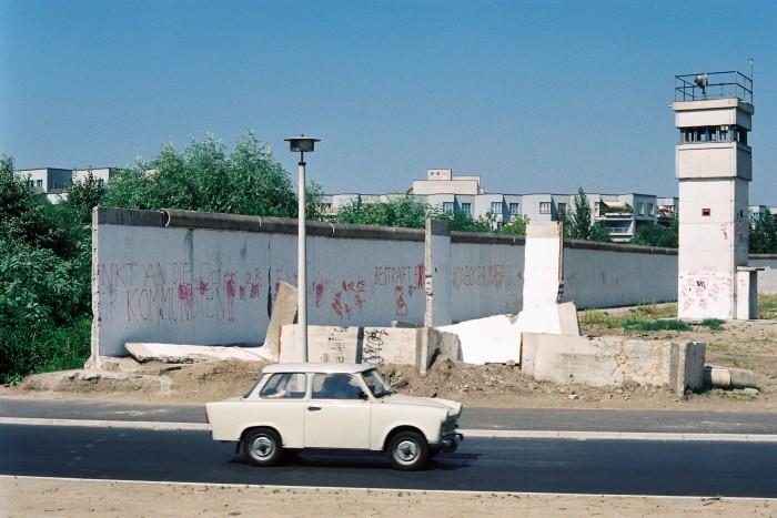 Deutsch-deutsche Grenze 1990 / Grenzanlagen am Teltow-Kanal. Quelle: Bundesregierung / Reineke