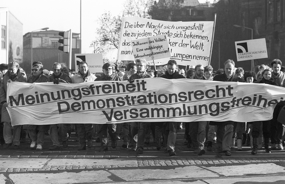 Demonstranten fordern Abrechnung mit den Schuldigen