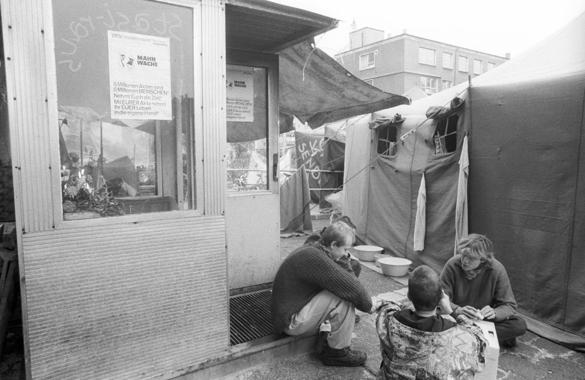 Mahnwache, Hungerstreik. Quelle: Robert-Havemann-Gesellschaft/Andreas Kämper