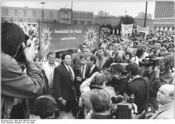 Quelle: Bundesarchiv, Bild 183-1990-0719-020, Fotograf: Robert Roeske