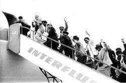 Rückführung namibischer Flüchtlinge von Berlin nach Windhoek im Juli 1989. Quelle: Bundesarchiv, Bild 183-1989-0717-041, Fotograf: Hartmut Reiche