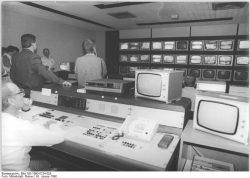 Quelle: Bundesarchiv, Bild 183-1990-0124-029, Foto: Rainer Mittelstädt