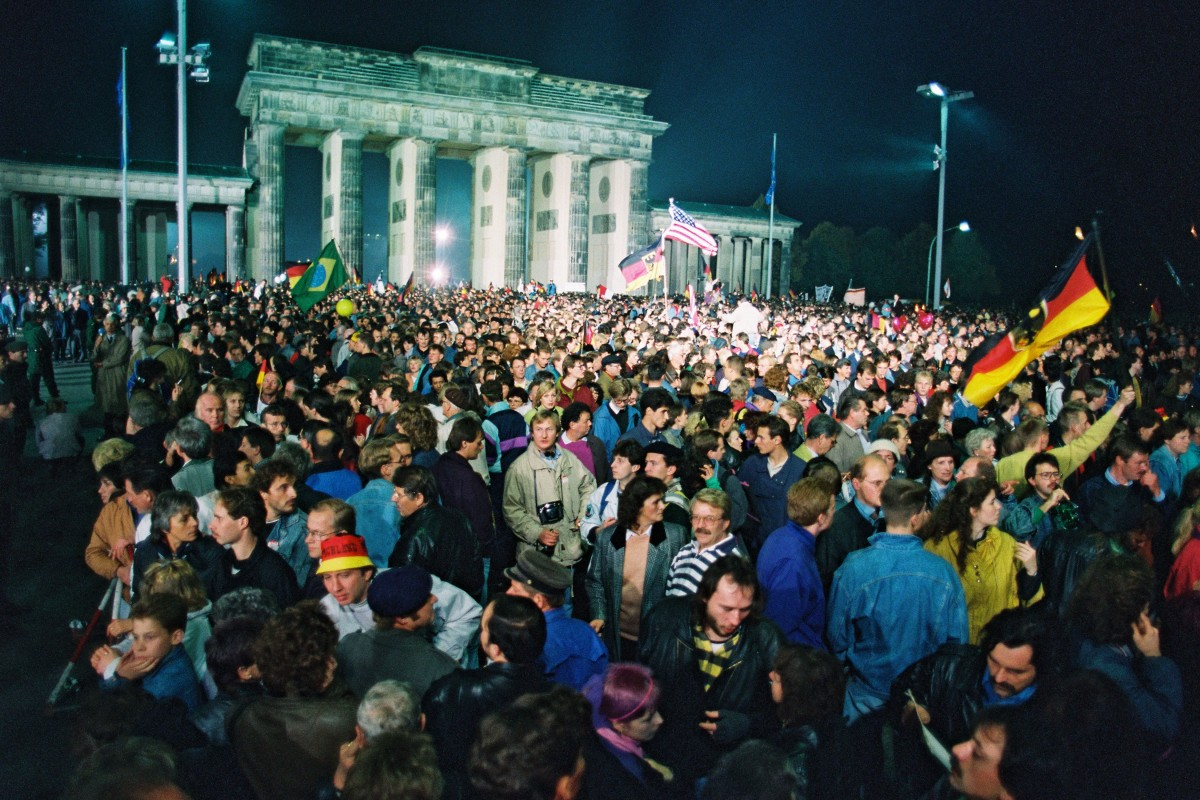 Tag der Deutschen Einheit 1990 / Brandenburger Tor. Quelle: Bundesregierung / Lehnartz
